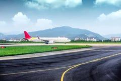Οι στάσεις αεροπλάνων στον αερολιμένα Στοκ φωτογραφία με δικαίωμα ελεύθερης χρήσης
