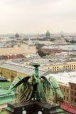 Οι στέγες της παλαιάς ρωσικής πόλης στοκ εικόνες με δικαίωμα ελεύθερης χρήσης