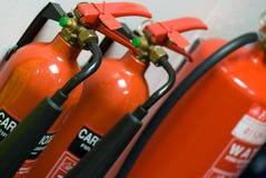 οι σταθεροί συνεχώς πυροσβεστήρες προαυλίων εγκαυμάτων βάζουν φωτιά στην κινδύνου θυμιάματος lianhua απειλή ναών πάρκων shan εκεί Στοκ Εικόνες
