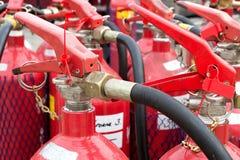 οι σταθεροί συνεχώς πυροσβεστήρες προαυλίων εγκαυμάτων βάζουν φωτιά στην κινδύνου θυμιάματος lianhua απειλή ναών πάρκων shan εκεί Στοκ φωτογραφία με δικαίωμα ελεύθερης χρήσης