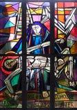 οι 13οι σταθμοί του σταυρού, σώμα του Ιησού ` αφαιρούνται από το σταυρό Στοκ φωτογραφία με δικαίωμα ελεύθερης χρήσης