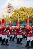 Οι στρατιώτες παιχνιδιών από Babes σε Toyland στη φαντασία Χριστουγέννων Disneyland παρελαύνουν Στοκ Εικόνα