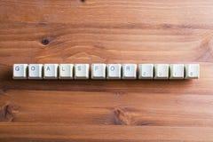 Οι στόχοι για το νέο έτος 2018 στον υπολογιστή πληκτρολογούν τα κλειδιά σε ένα ξύλινο BA Στοκ Φωτογραφία