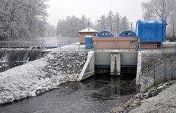 Οι συγκεκριμένες εγκαταστάσεις φραγμάτων και υδροηλεκτρικής ενέργειας Στοκ φωτογραφία με δικαίωμα ελεύθερης χρήσης