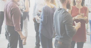 Οι συνάδελφοι κτυπούν την έννοια Brunch Dinning κόμματος Στοκ φωτογραφία με δικαίωμα ελεύθερης χρήσης