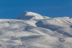 οι σχηματισμοί λικνίζου&nu Γεωργία, resor σκι Gudauri στοκ φωτογραφία
