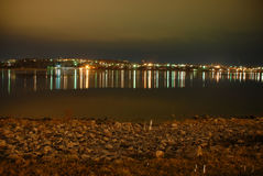 Οι σωστές όχθεις του ποταμού του Βόλγα τη νύχτα Στοκ φωτογραφία με δικαίωμα ελεύθερης χρήσης