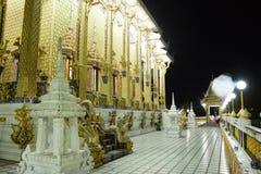 Οι ταϊλανδικοί ναοί διακοσμούνται από το ταϊλανδικό σχέδιο με το χρυσό Στοκ φωτογραφίες με δικαίωμα ελεύθερης χρήσης
