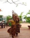 Οι ταϊλανδικές γυναίκες χορεύουν παρουσιάζουν Στοκ Εικόνες