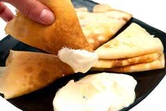 οι τηγανίτες κρέμας ξινίζ&omicron Στοκ φωτογραφία με δικαίωμα ελεύθερης χρήσης