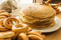 οι τηγανίτες συσσωρεύο& Στοκ φωτογραφία με δικαίωμα ελεύθερης χρήσης