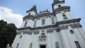 Οι τοίχοι και η οροφή της εκκλησίας είναι χρωματισμένοι με τα εικονίδια απόθεμα βίντεο