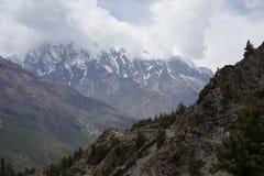 Οι τομείς βουνών στο κύκλωμα Annapurna Στοκ Εικόνα