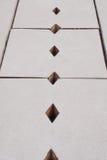 Οι τοποθετημένες τρύπες εξαερισμού γραμμών αγωγών είναι διαμορφωμένος ικτίνος Στοκ εικόνες με δικαίωμα ελεύθερης χρήσης