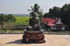 Οι τουρίστες επισκέπτονται Wat Khun Inthapramun, επαρχία λουριών ANG, Thailan Στοκ Φωτογραφία
