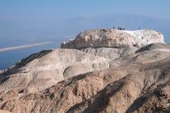 Οι τουρίστες στην κορυφή τοποθετούν Sodom στοκ εικόνες