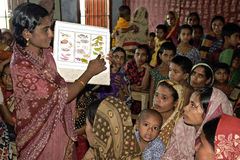 Οι του Μπαγκλαντές γυναίκες εκπαιδεύονται στη διατροφή Στοκ φωτογραφία με δικαίωμα ελεύθερης χρήσης