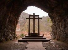 Οι τρεις σταυροί στη Covadonga, αστουρίες στοκ εικόνες