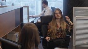 Οι υπάλληλοι καταλαβαίνουν το στόχο απόθεμα βίντεο