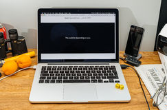 Οι υπολογιστές της Apple σε WWDC συνεχίζουν apps Στοκ φωτογραφία με δικαίωμα ελεύθερης χρήσης