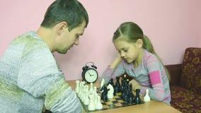 Οι φορείς σκακιού συλλογίζονται επόμενη κίνηση απόθεμα βίντεο