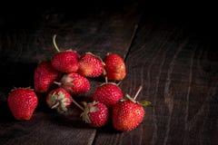 οι φράουλες παρουσιάζ&omic Στοκ φωτογραφίες με δικαίωμα ελεύθερης χρήσης