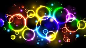 Οι φωτεινές φυσαλίδες χρώματος νέου ουράνιων τόξων, αφαιρούν το πολύχρωμο υπόβαθρο με τους κύκλους, σπινθηρίσματα, bokeh διανυσματική απεικόνιση