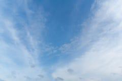 Οι χειμερινοί άνεμοι ουρανού σκούπισαν σαφή Στοκ εικόνα με δικαίωμα ελεύθερης χρήσης