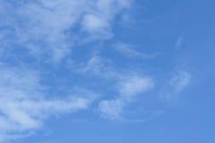 Οι χειμερινοί άνεμοι ουρανού σκούπισαν σαφή Στοκ Φωτογραφία