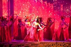 Οι χορευτές παλατιών--Ιστορικός μαγικός ο μαγικός δράματος τραγουδιού και χορού ύφους - Gan Po Στοκ Φωτογραφίες
