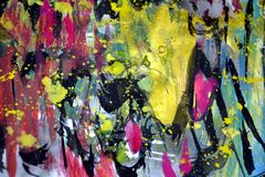 Οι χρυσοί σκοτεινοί κίτρινοι ρόδινοι παφλασμοί, ζωηρόχρωμα ζωηρά κέρινα χρώματα, αντιπαραβάλλουν το δημιουργικό υπόβαθρο Στοκ φωτογραφία με δικαίωμα ελεύθερης χρήσης