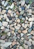 Οι χρωματισμένες πέτρες στο έδαφος Στοκ εικόνες με δικαίωμα ελεύθερης χρήσης