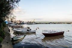 Οι ψαράδες προφυλάσσουν στην παλαιά μαρίνα - Τουρκία Στοκ εικόνα με δικαίωμα ελεύθερης χρήσης