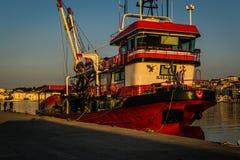 Οι ψαράδες προφυλάσσουν στην παλαιά μαρίνα Στοκ Εικόνες