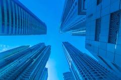 Οι ψηλοί ουρανοξύστες μαρινών του Ντουμπάι στα Ε.Α.Ε. Στοκ φωτογραφία με δικαίωμα ελεύθερης χρήσης