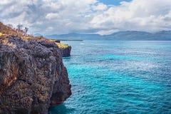Οι ωκεάνιοι απότομοι βράχοι Ατλαντικός τοπίων ταξιδιού φύσης εξερευνούν τον κόσμο Στοκ Εικόνα