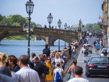 Οι όχθεις του ποταμού Arno στη Φλωρεντία - μια δημοφιλής θέση - ΦΛΩΡΕΝΤΙΑ/ΙΤΑΛΙΑ - 12 Σεπτεμβρίου 2017 Στοκ Φωτογραφίες