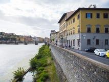 Οι όχθεις του ποταμού Arno στη Φλωρεντία Στοκ φωτογραφία με δικαίωμα ελεύθερης χρήσης