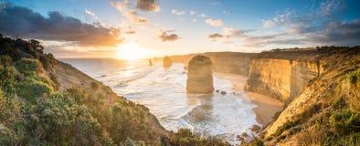 Οι δώδεκα απόστολοι ένα εικονικό τοπίο του μεγάλου ωκεάνιου δρόμου, κράτος Βικτώριας της Αυστραλίας Στοκ εικόνα με δικαίωμα ελεύθερης χρήσης