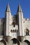 Οι Palais des Papes δίδυμοι πύργοι Στοκ Εικόνες
