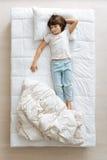 Οκνηρός όμορφος τύπος γρήγορα κοιμισμένος Στοκ εικόνες με δικαίωμα ελεύθερης χρήσης