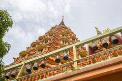 Οκτάγωνη παγόδα που ονομάζεται ` Ketkaew Prasat Chedi ` όπου τα ιερά λείψανα στεγάζονται, ναός σπηλιών Wat Tham SuaTiger, Tha Mcg Στοκ εικόνες με δικαίωμα ελεύθερης χρήσης