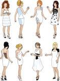 Οκτώ όμορφες κυρίες στα άσπρα φορέματα κοκτέιλ Στοκ εικόνα με δικαίωμα ελεύθερης χρήσης