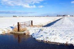 Ολλανδικό καλλιεργήσιμο έδαφος το χειμώνα Στοκ εικόνα με δικαίωμα ελεύθερης χρήσης