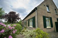 ολλανδικό σπίτι προαστι&alph Στοκ φωτογραφίες με δικαίωμα ελεύθερης χρήσης