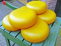 Ολλανδικό τυρί σε ένα κάρρο χεριών στις Κάτω Χώρες Στοκ εικόνες με δικαίωμα ελεύθερης χρήσης