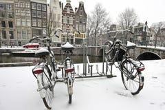 ολλανδικό χιόνι ποδηλάτω&nu Στοκ Φωτογραφίες