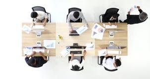 Ομάδα 6 επιχειρηματιών, Υ απόθεμα βίντεο