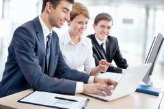 Ομάδα επιχειρηματιών στοκ φωτογραφία με δικαίωμα ελεύθερης χρήσης
