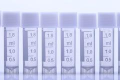 Ομάδα πολύ 1 πλαστικά εργαλεία δοκιμής εργαστηρίων σωλήνων ΚΑΠ 8 μιλ. Στοκ φωτογραφία με δικαίωμα ελεύθερης χρήσης